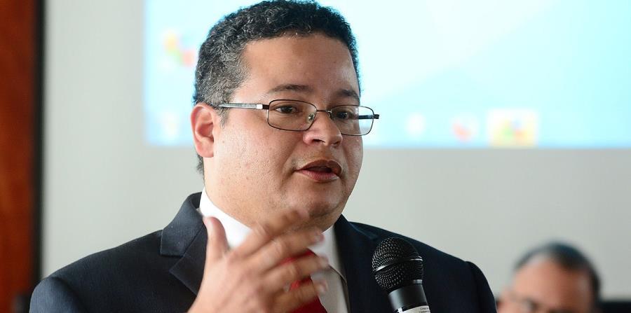 """""""La alternativa propuesta en el proyecto representa el desplazamiento de los profesionales farmacéuticos por alternativas tecnológicas"""", afirmó Víctor Ramos. (horizontal-x3)"""