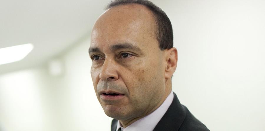 Luis Gutiérrez (horizontal-x3)
