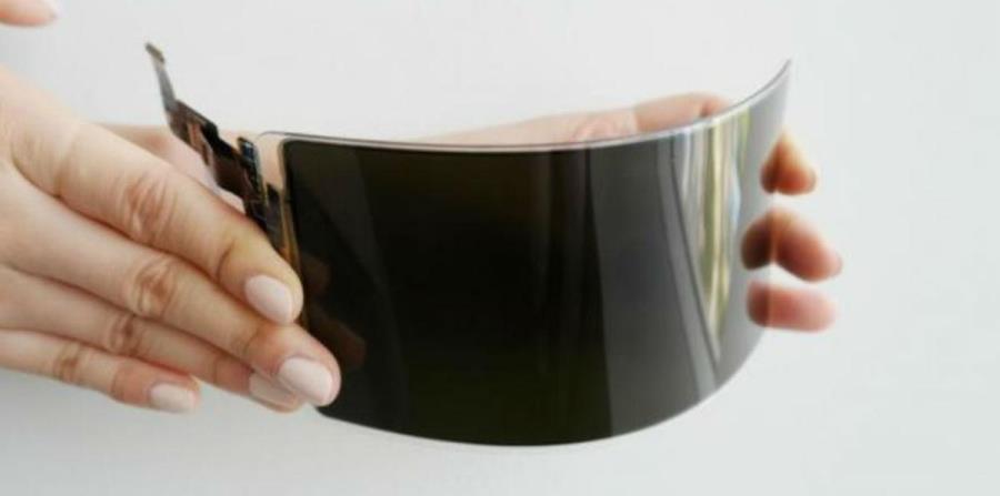 La firma publicó un vídeo donde el panel OLED flexible no se rompe ni siquiera con los golpes de un martillo (horizontal-x3)