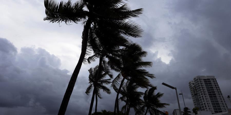 Otras islas en la ruta de la tormenta son las Islas Vírgenes y Anguilla, un pequeño territorio de baja altitud con unas 15,000 personas. (horizontal-x3)
