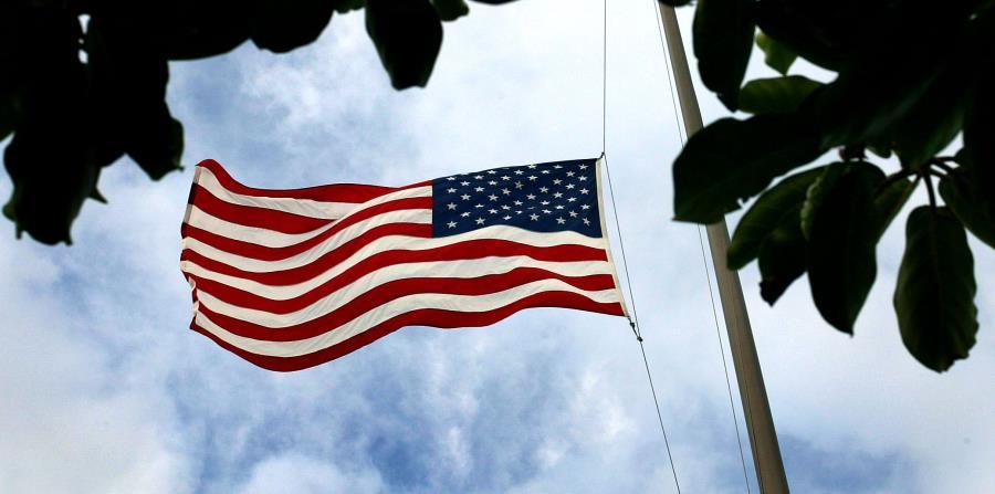 El ejecutivo de Texas invitó a las entidades privadas a unirse al homenaje a las víctimas (horizontal-x3)