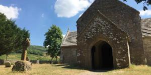 El pueblo fantasma de Inglaterra que atrae turistas
