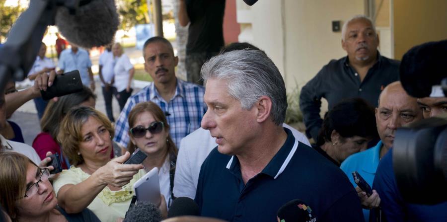 La nota oficial fue leída en el noticiero nocturno de la televisión estatal, el de mayor difusión, y fue una propuesta del mandatario cubano Miguel Díaz-Canel Bermúdez. (AP / Ramón Espinosa) (horizontal-x3)