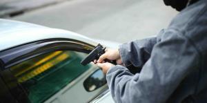 Unos pasajeros le roban el auto a un conductor de Uber en Guaynabo