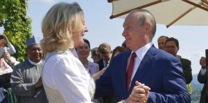 El baile de Putin en la boda de una ministra austriaca enoja a Europa