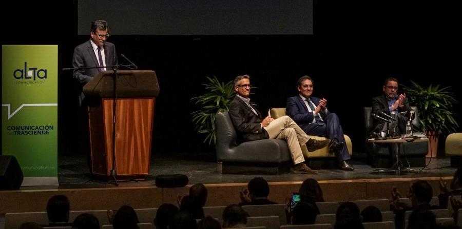 Desde la izquierda, el Oficial de Innovación Social de GFR Media, Luis Alberto Ferré Rangel, y Txomin García Hernández, presidente de Grupo Mondragón. (GFR Media / Joe Rubens) (horizontal-x3)