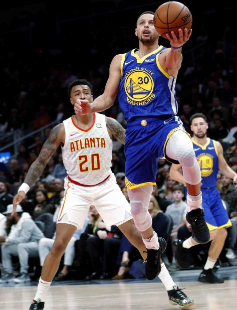 Curry anotó 30 puntos. (AP) (vertical-x1)