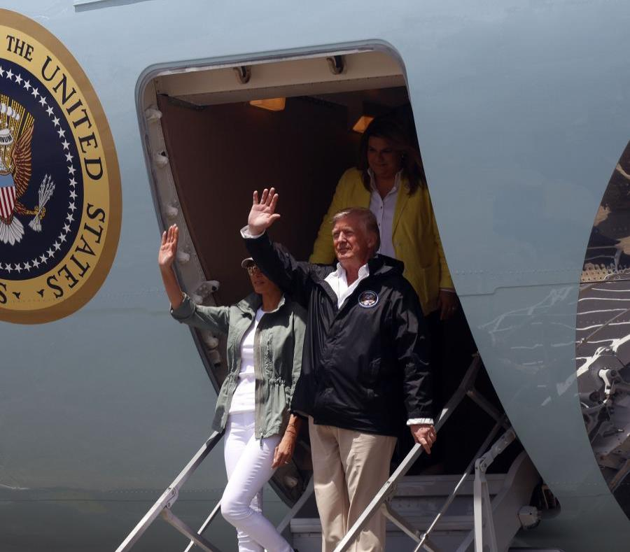 Trump arrived in Puerto Rico yesterday accompanied by several members of his cabinet and wife, Melania. (semisquare-x3)