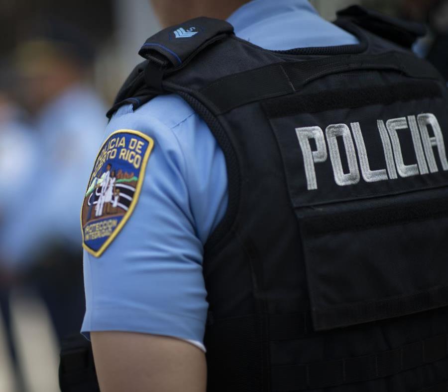 El individuo de 48 años contra quien pesaba una orden de arresto se entregó en la Comandancia de Carolina, informó la Policía. (GFR Media) (semisquare-x3)