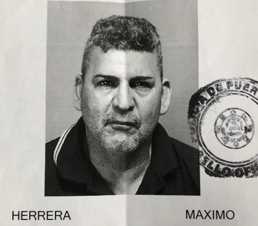 Ficha de Máximo Herrera. (semisquare-x3)