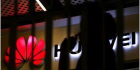 ¿Qué problemas podría enfrentar Huawei en caso de crear un sistema propio para sus dispositivos móviles