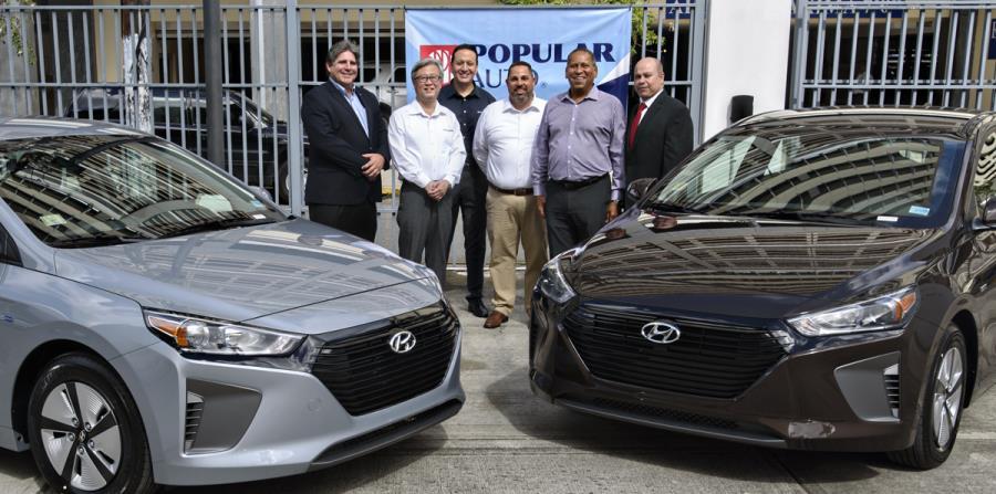 De izquierda a derecha: Antolín Velasco, presidente de Popular Auto; Kaneko Hitoshi, presidente de Hyundai Puerto Rico; Pablo Martínez y Edwin Pizarro, también de Hyundai PR; junto con Edouard Lafontant y Juan Dávila de Popular Auto.