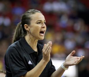 Momento propicio para que un mujer dirija en la NBA