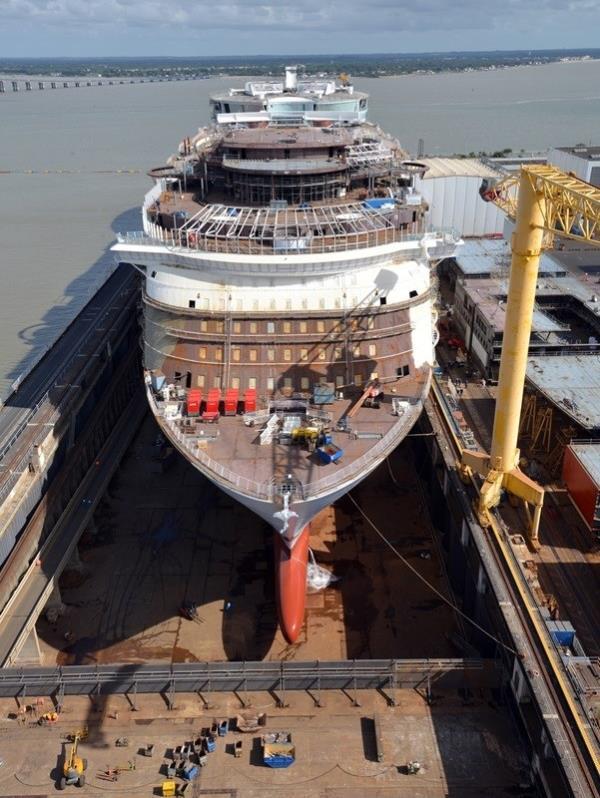 El Symphony of the Seas se está construyendo en el astillero STX France de St. Nazaire.