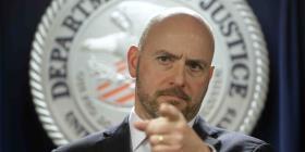 Acusan a jueza en Massachusetts de ayudar a hombre a huir de migración