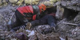 Aumentan a 38 las muertes por el terremoto de 6.8 que sacudió a Turquía