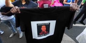 """El FBI da """"máxima prioridad"""" a la muerte de George Floyd a manos de un policía"""