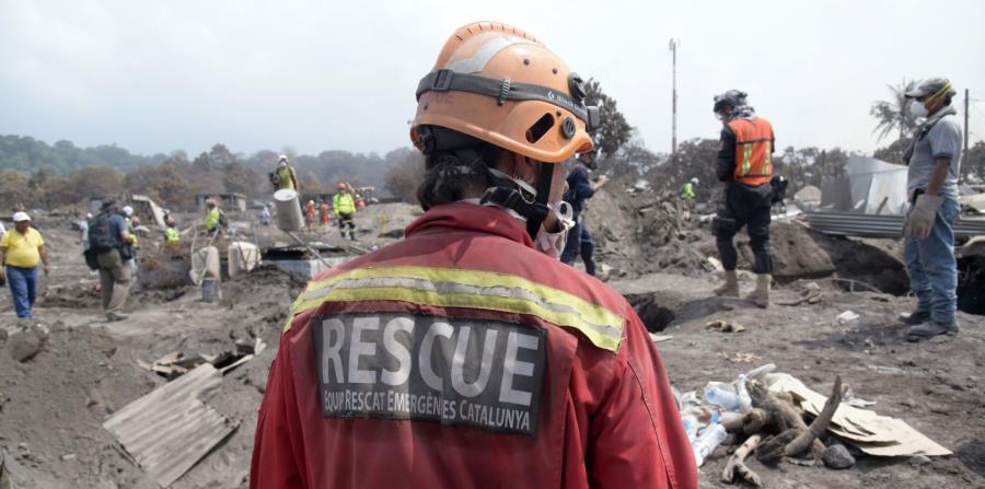 La violenta erupción del volcán de Fuego del pasado 3 de junio dejó también 186 viviendas, 1 carretera, 1 escuela y 2 puentes destruidos. (horizontal-x3)