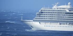 Arriba a puerto el crucero averiado en altamar en Noruega