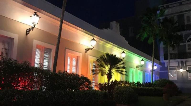 El gobernador firmó en julio de 2017, una orden ejecutiva que creó Consejo Asesor en Asuntos de la comunidad LGBTT. (horizontal-x3)