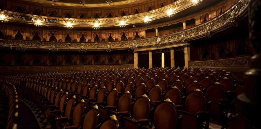Los asientos del Teatro Colón están vacíos durante la cuarentena por el nuevo coronavirus. (AP Foto/Victor R. Caivano)