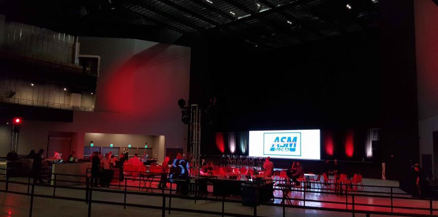 Así comienza a verse el escenario del Coca Cola Music Hall. (Rut Tellado)