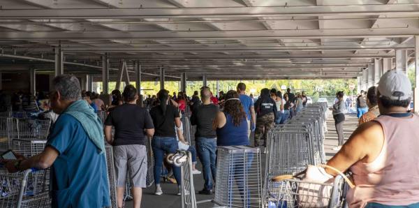 La semana comienza con filas kilométricas en los supermercados