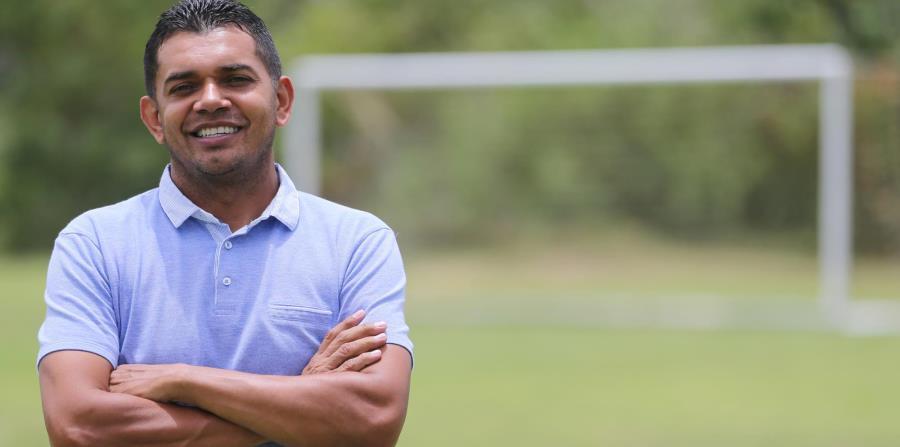 Amado Guevara asumió las riendas de Puerto Rico tras fungir como asistente en la selección de  Honduras. (horizontal-x3)
