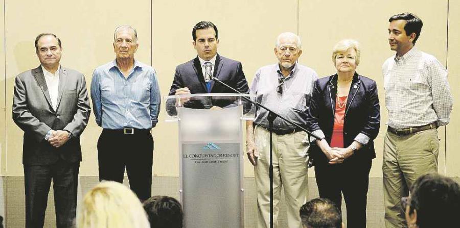Cinco de los siete miembros de la Comisión de la Igualdad se presentaron ayer durante la Convención del Partido Nuevo Progresista en el hotel El Conquistador en Fajardo. (horizontal-x3)
