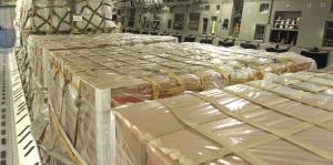 Aviones militares de Estados Unidos con ayuda aterrizan en Colombia