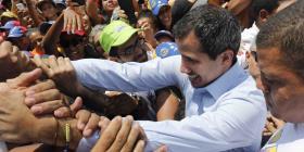 Guaidó llama a militares a actuar para detener crisis
