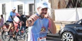 """El gobernador participa en la carrera """"La Perla Corre por su Futuro"""""""