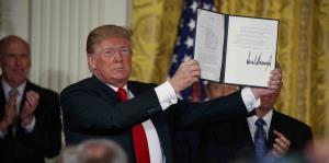 Donald Trump anuncia la creación de una Fuerza Espacial