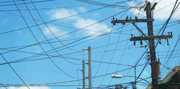 La AEE espera reparar el 90% de las luminarias para febrero
