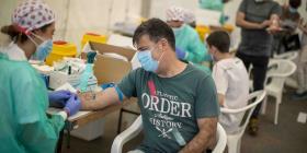 AstraZeneca dice que está lista para lanzar una potencial vacuna contra el coronavirus en septiembre