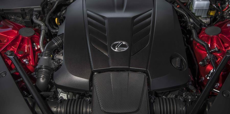 El Lexus LC500 está equipado con un motor de gasolina V8 de 5.0 litros que genera unos emocionantes 471 caballos de fuerza.