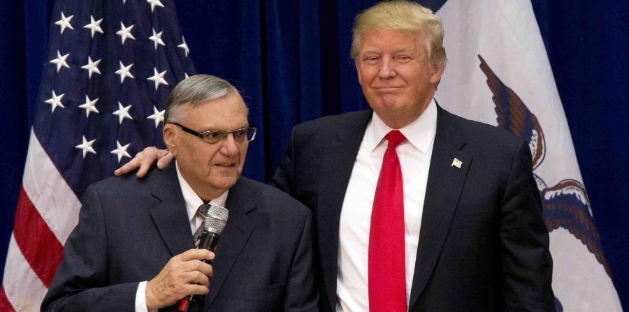 Trump indulta a un exsheriff convicto por desacato | El Nuevo Día
