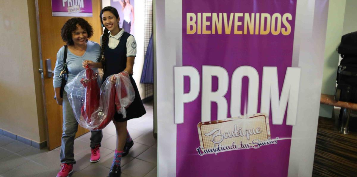 Boutique en Cidra dona vestidos de gala para \