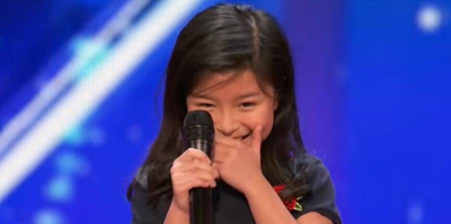Niña sorprende a los jueces de un concurso con voz similar a Celine Dion (horizontal-x3)