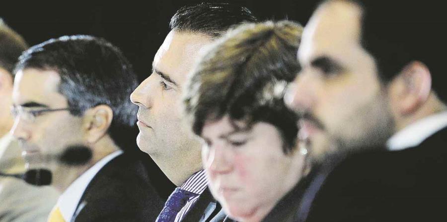 En la foto, el representante del gobernador, Christian Sobrino Vega (derecha) y los miembros de la Junta, Ana Matosantos, José B. Carrión y Carlos García. (horizontal-x3)