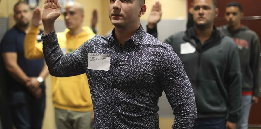 Luis Omar Castillo Flores durante la ceremonia.