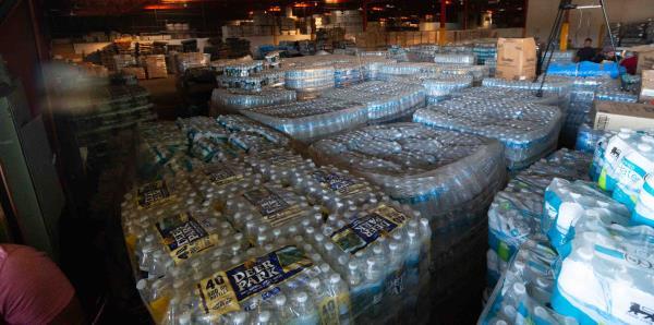 Lo que se halló en el almacén en Ponce donde permanecían suministros desde el huracán María