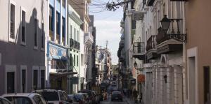 Los residentes del Viejo San Juan defenderán su comunidad frente a Airbnb