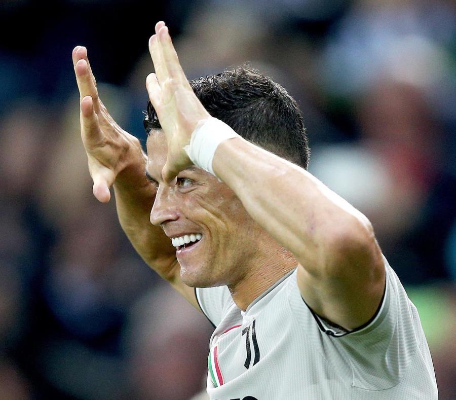 Cristiano Ronaldo pota por su sexto galardón. (AP) (semisquare-x3)