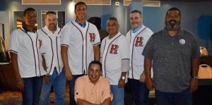 """Juan """"Igor"""" González es el nuevo mentor de Humacao en el Béisbol Doble A"""