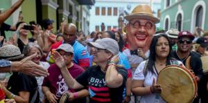 Carmen Yulín Cruz da inicio a las Fiestas de la Calle San Sebastían