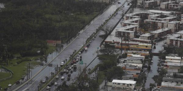 Piden a FEMA entregar documentos sobre su respuesta a los huracanes Irma y María