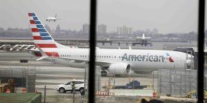 Trasladan a un hospital a 16 pasajeros de American Airlines