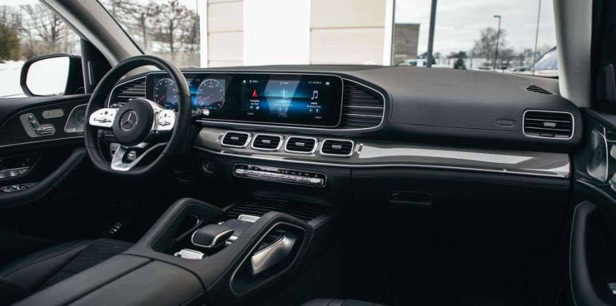 Cabina interior del Mercedes-Benz GLE del 2020. (Suministrada)