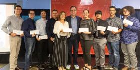 Evertec entrega 135 becas a estudiantes universitarios
